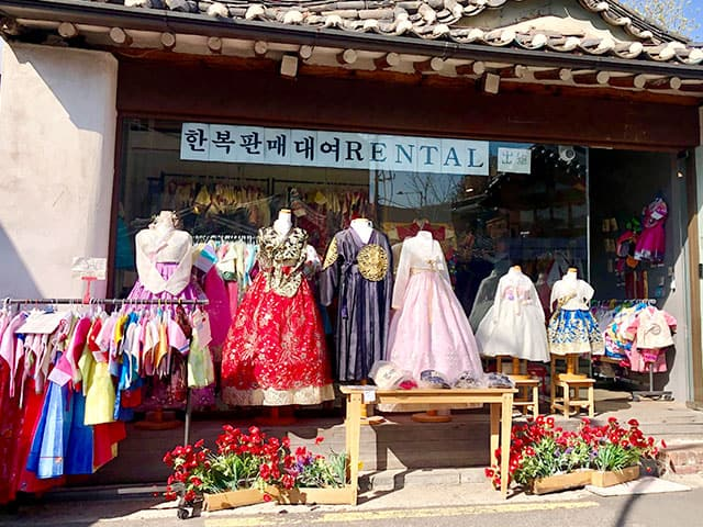 hanbok - things to do in seoul
