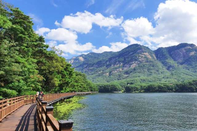 Things to do in Pocheon: Sanjeong Lake