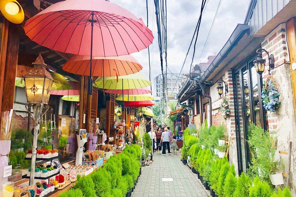 must-visit famous streets in Seoul Korea